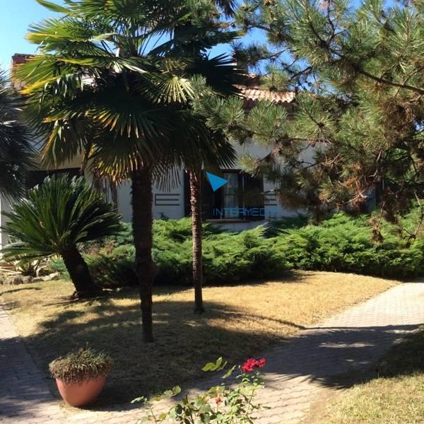 Villa in vendita a Roseto degli Abruzzi, 20 locali, prezzo € 700.000 | Cambio Casa.it