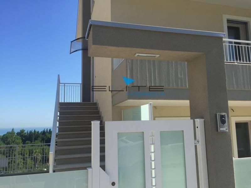Attico / Mansarda in vendita a Montesilvano, 6 locali, zona Località: ContradaMacchiano, prezzo € 340.000 | CambioCasa.it