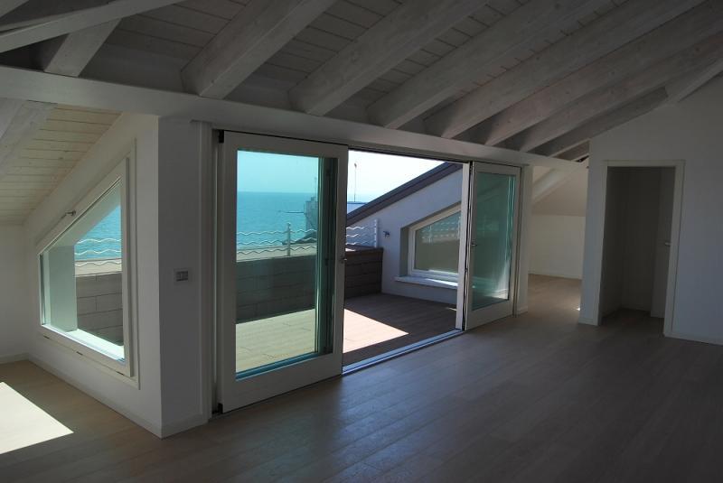 Appartamento in vendita a Caorle, 4 locali, prezzo € 475.000 | CambioCasa.it