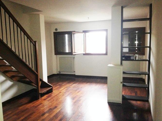 Appartamento in affitto a Carbonera, 8 locali, zona Località: Carbonera, prezzo € 770 | CambioCasa.it