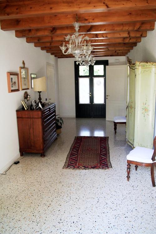Soluzione Indipendente in vendita a Paese, 10 locali, zona Zona: Castagnole, prezzo € 900.000 | CambioCasa.it