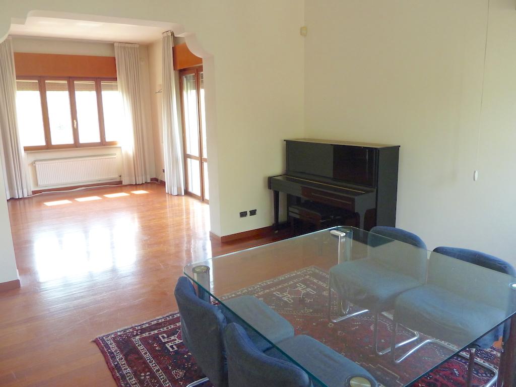 Soluzione Indipendente in vendita a Preganziol, 14 locali, zona Zona: Frescada, prezzo € 390.000 | CambioCasa.it