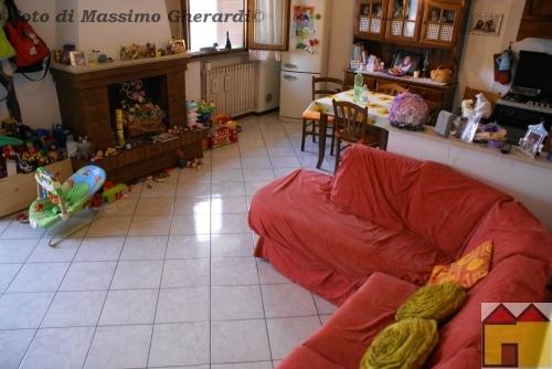 Soluzione Indipendente in vendita a Ostellato, 4 locali, zona Località: Dogato, prezzo € 98.000 | Cambio Casa.it