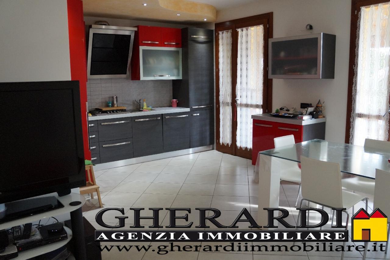Soluzione Indipendente in vendita a Voghiera, 4 locali, zona Zona: Ducentola, prezzo € 235.000 | Cambio Casa.it