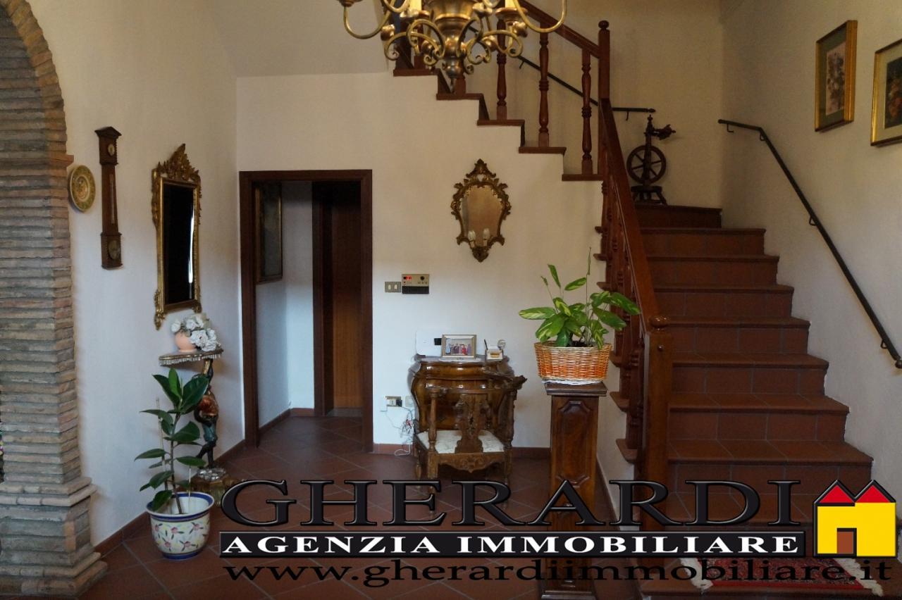 Soluzione Indipendente in vendita a Voghiera, 12 locali, zona Zona: Voghenza, prezzo € 300.000 | Cambio Casa.it