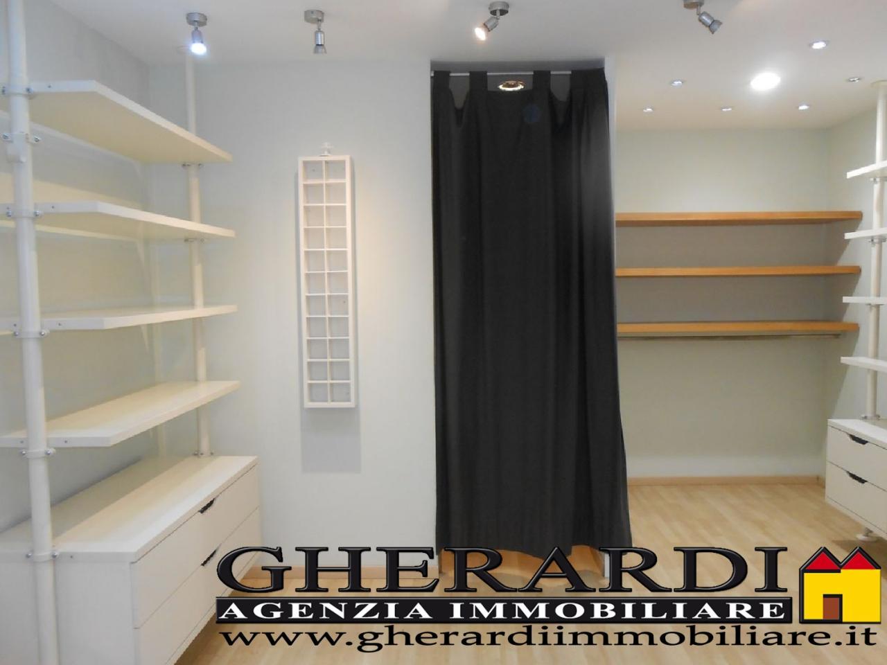 Attività / Licenza in vendita a Ferrara, 9999 locali, zona Località: EntroMura, prezzo € 25.000 | Cambio Casa.it