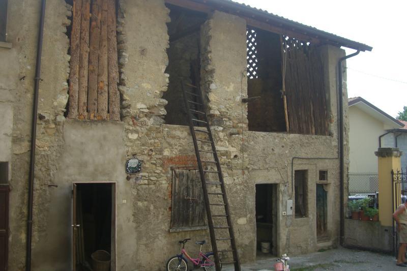 Soluzione Indipendente in vendita a Olginate, 3 locali, prezzo € 49.000 | Cambio Casa.it