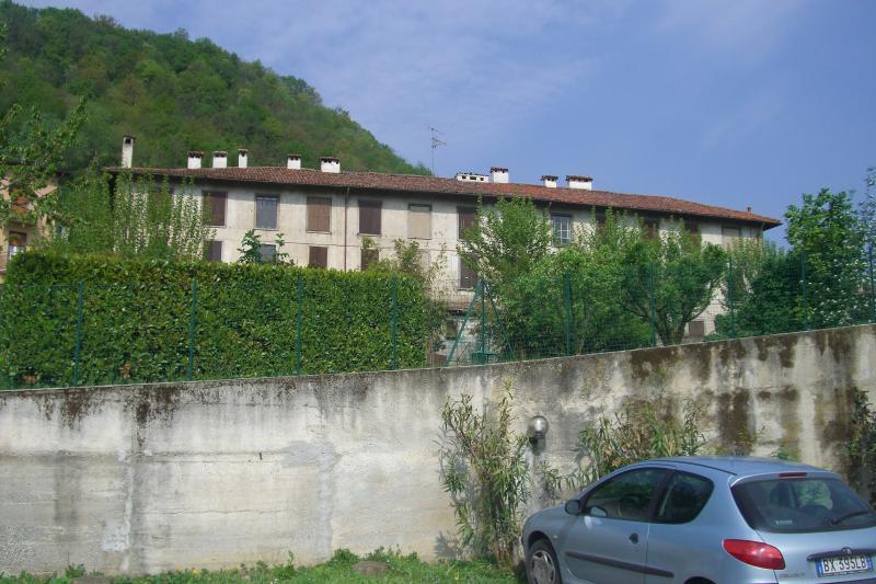 Rustico / Casale in vendita a Olginate, 20 locali, prezzo € 650.000 | CambioCasa.it