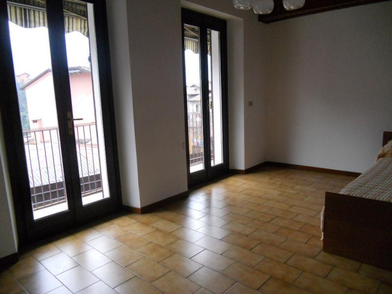 Soluzione Indipendente in vendita a Lecco, 4 locali, zona Zona: Laorca, prezzo € 135.000 | Cambio Casa.it