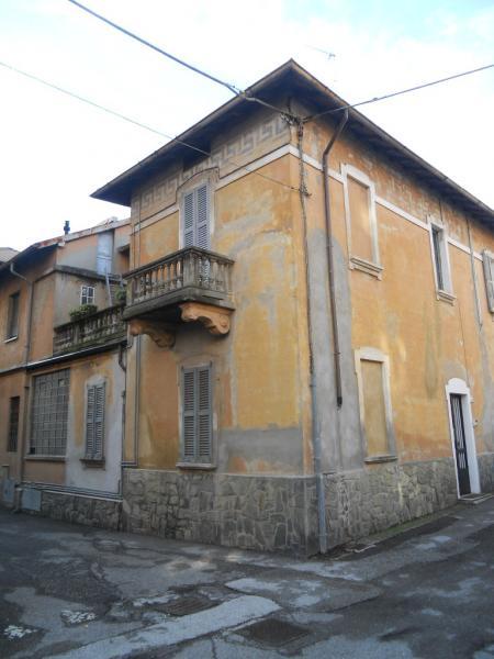 Soluzione Indipendente in vendita a Lecco, 5 locali, zona Zona: S. Stefano/Zona Turati, prezzo € 140.000 | Cambio Casa.it