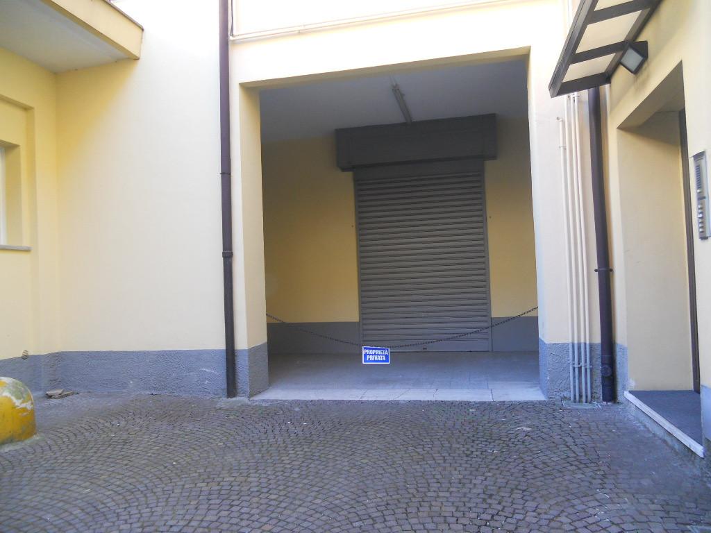 Negozio / Locale in affitto a Lecco, 9999 locali, prezzo € 21.600 | Cambio Casa.it
