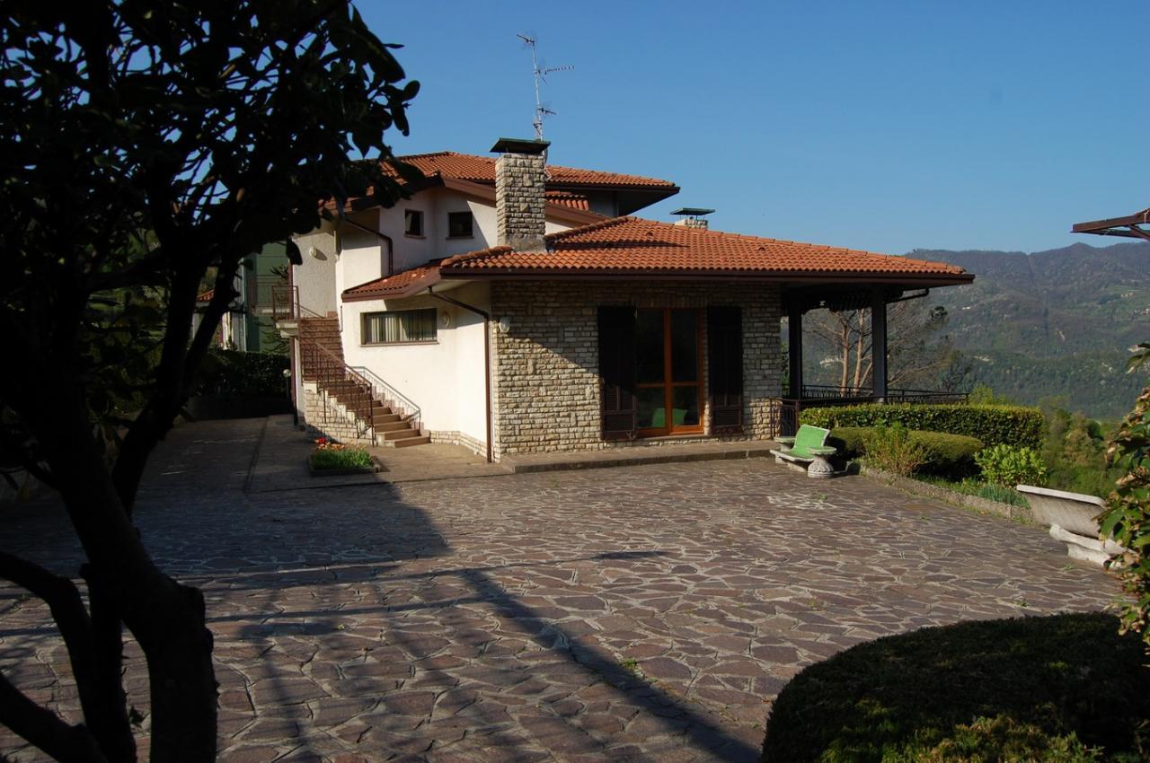 Villa in vendita a Monte Marenzo, 7 locali, prezzo € 480.000 | Cambio Casa.it