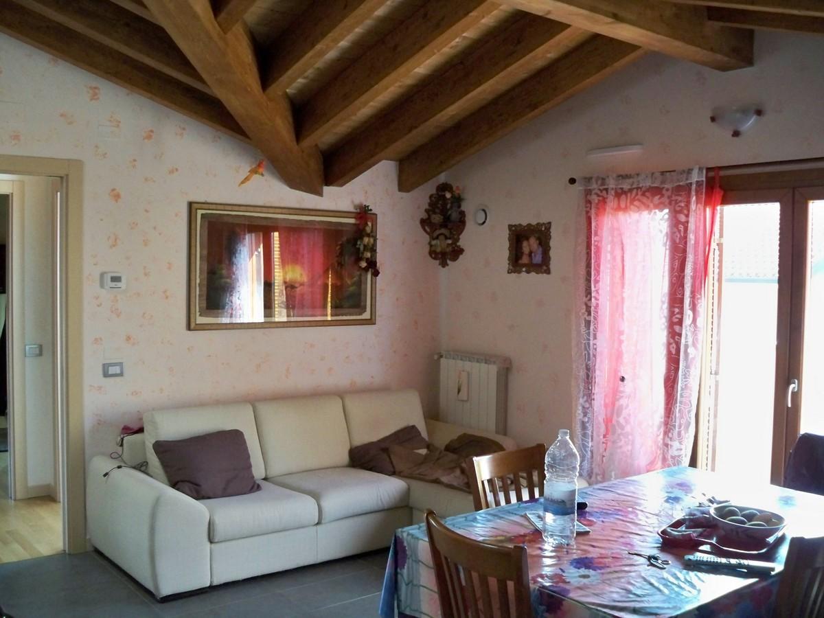 Appartamento in vendita a Olgiate Molgora, 2 locali, prezzo € 115.000 | Cambio Casa.it