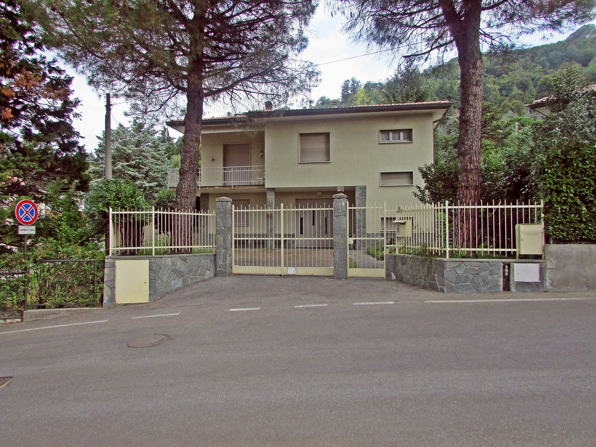 Villa in vendita a Galbiate, 4 locali, prezzo € 315.000 | Cambio Casa.it