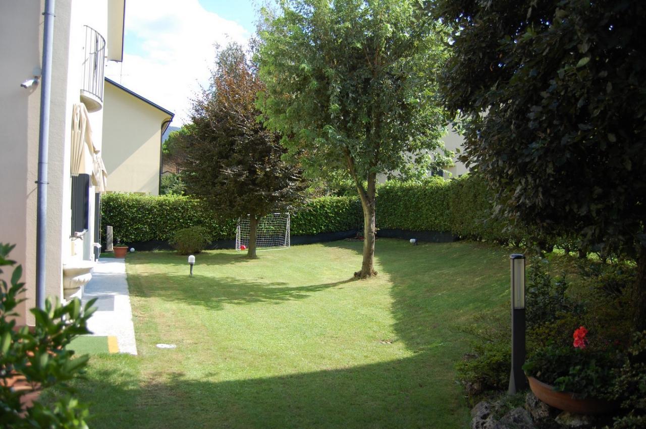 Villa in Vendita a Malgrate