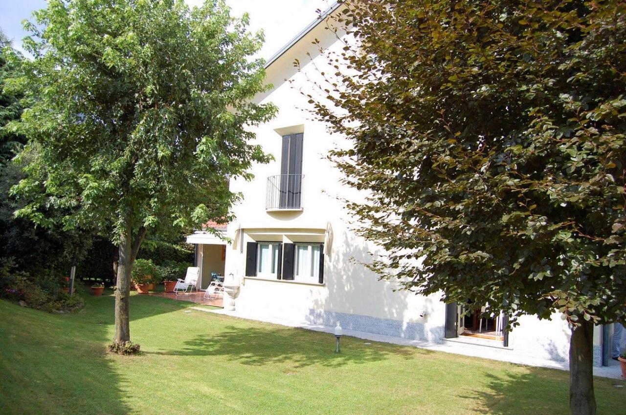 Villa in vendita a Malgrate, 6 locali, prezzo € 710.000 | CambioCasa.it