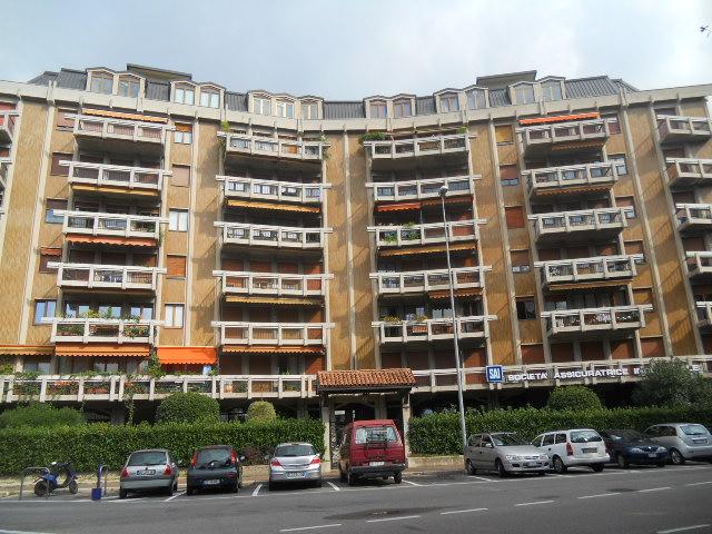 Appartamento in vendita a Lecco, 4 locali, zona Zona: Centralissimo, prezzo € 600.000 | Cambio Casa.it