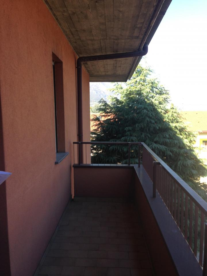 Appartamento in vendita a Olginate, 3 locali, prezzo € 115.000 | Cambio Casa.it