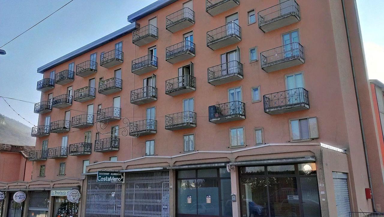 Appartamento in vendita a Civate, 3 locali, prezzo € 105.000   Cambio Casa.it