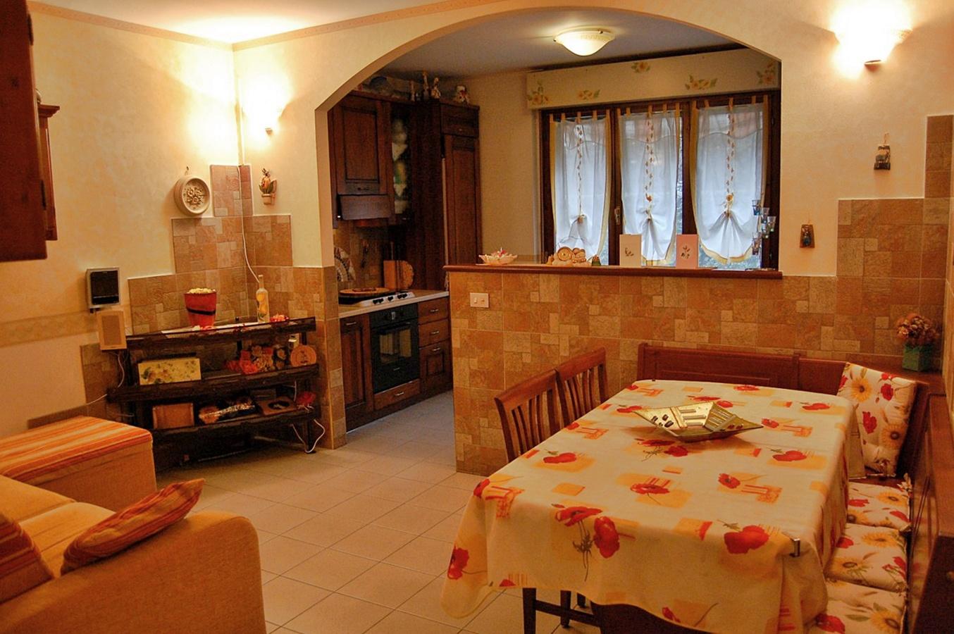 Appartamento in vendita a Garlate, 4 locali, prezzo € 150.000 | Cambio Casa.it