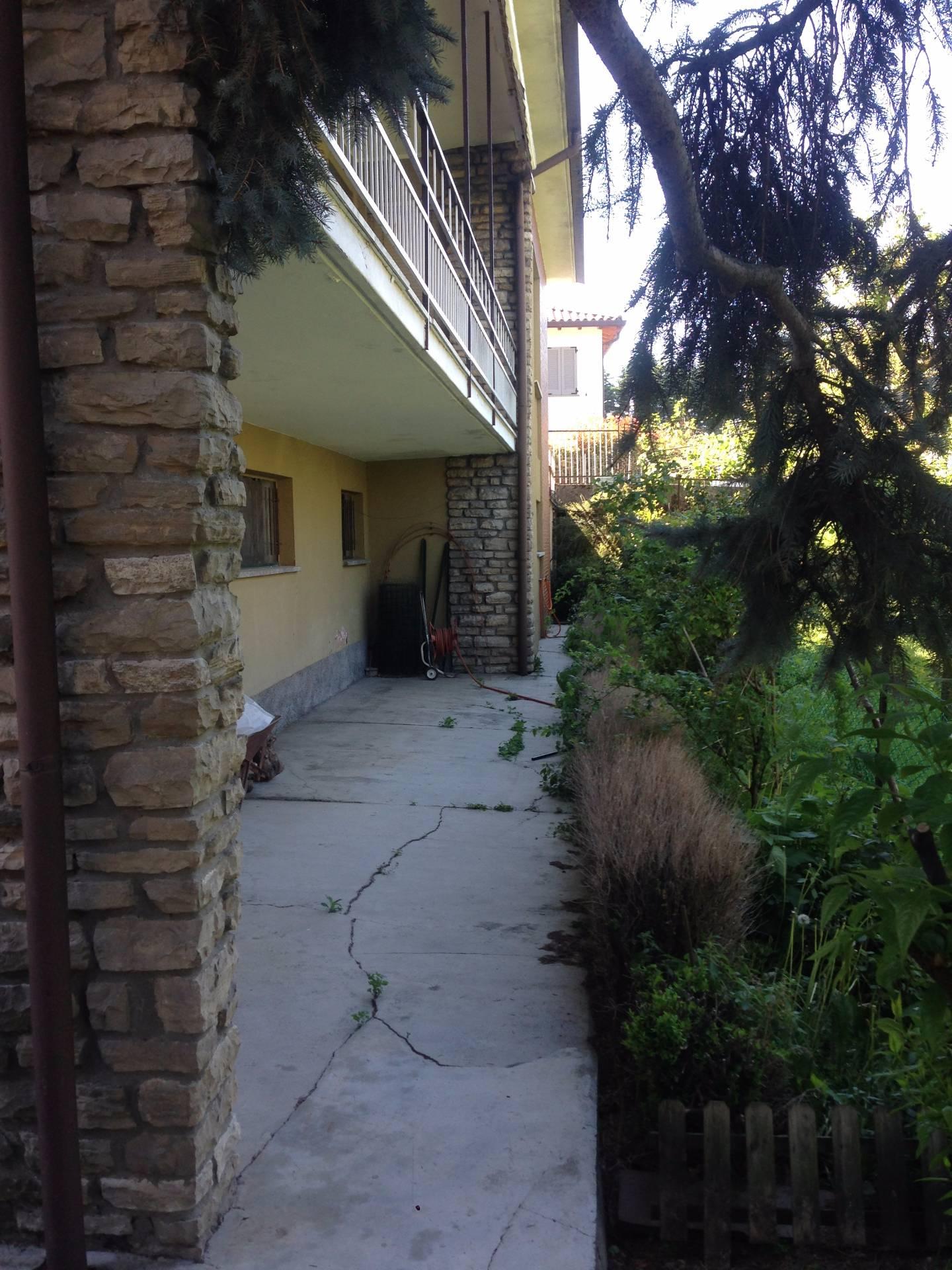 Villa in vendita a Vercurago, 4 locali, prezzo € 300.000 | Cambio Casa.it