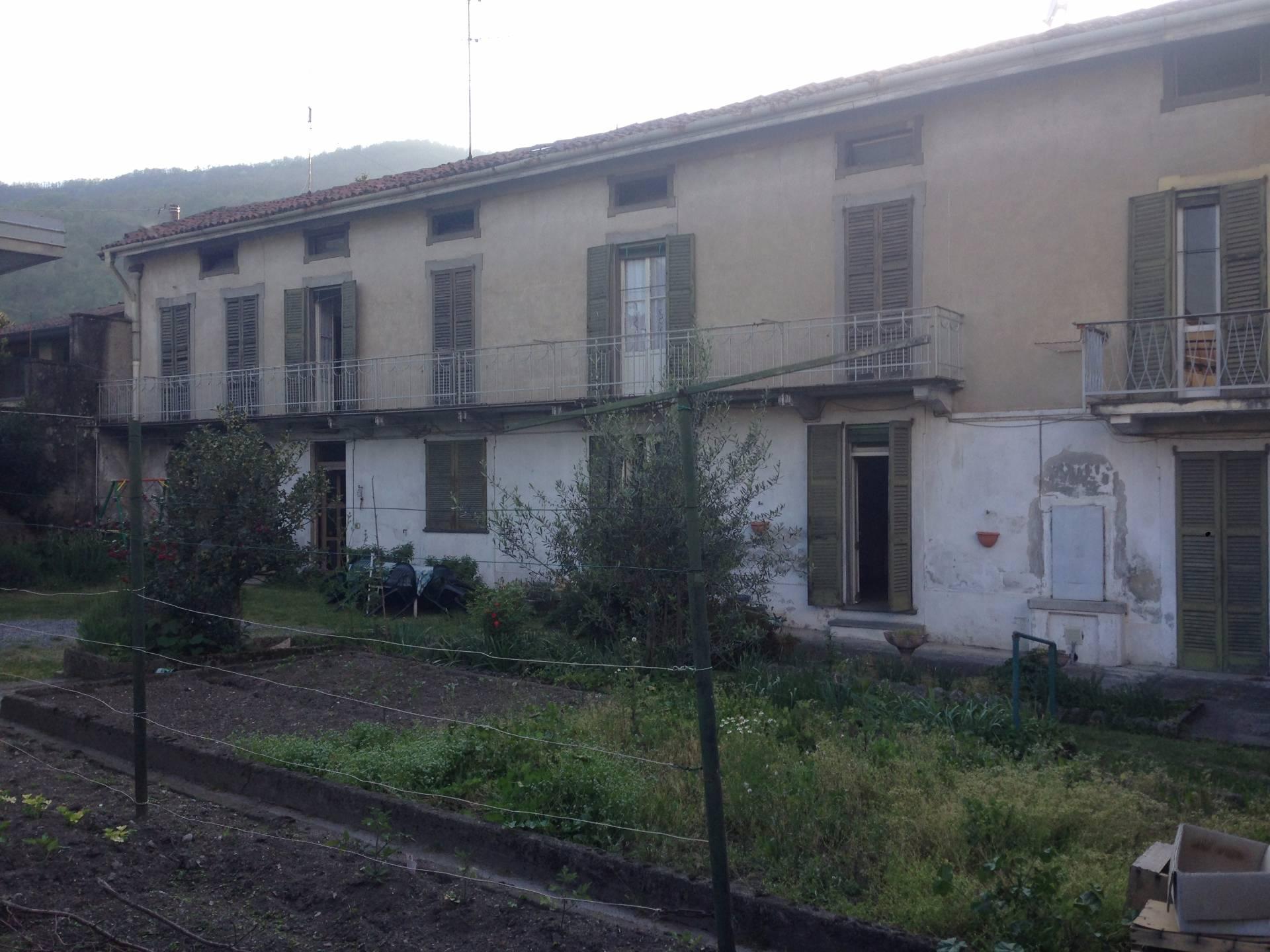 Soluzione Indipendente in vendita a Olginate, 10 locali, prezzo € 200.000 | Cambio Casa.it