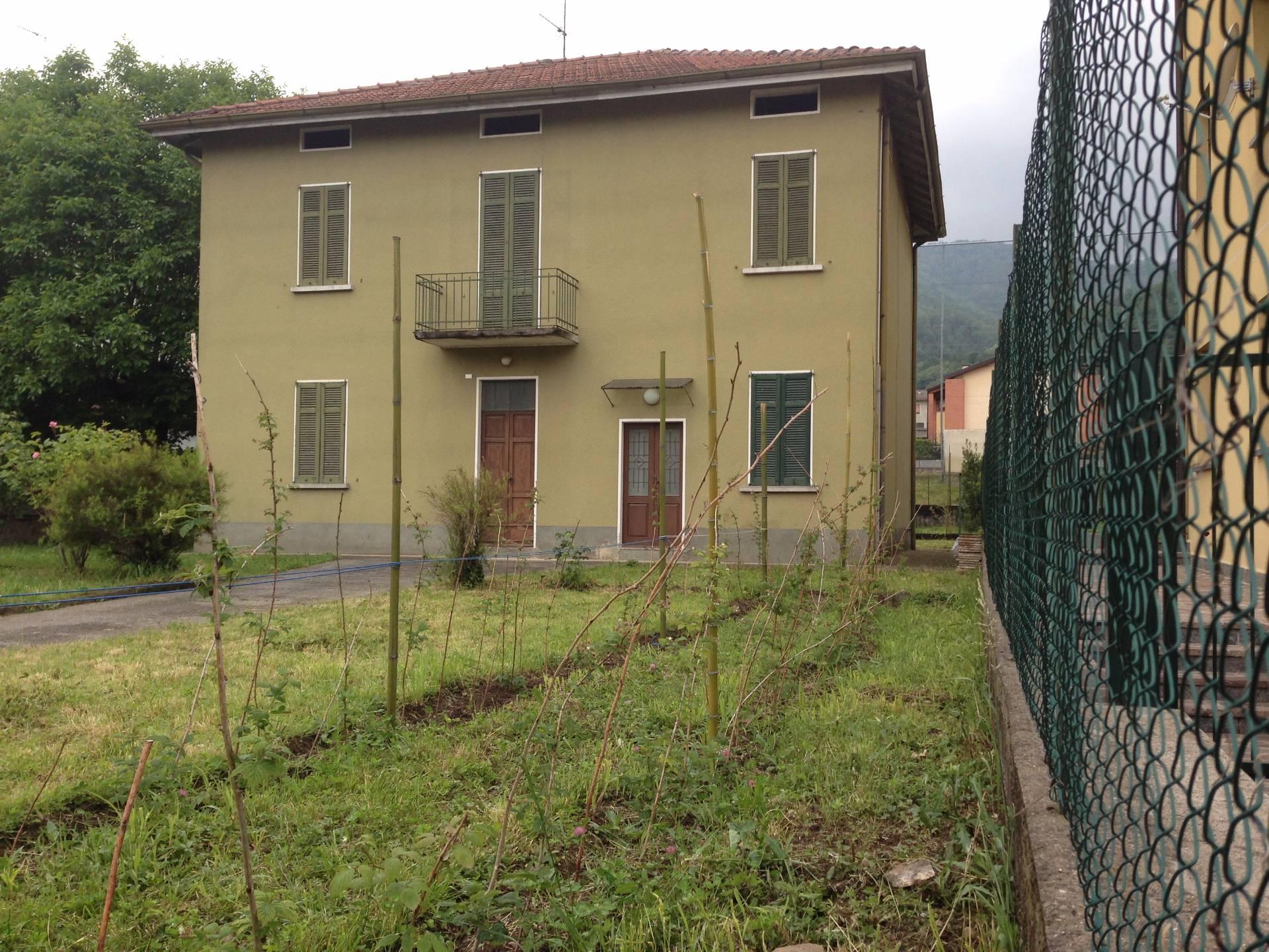 Villa Bifamiliare in vendita a Valgreghentino, 8 locali, prezzo € 330.000 | Cambio Casa.it