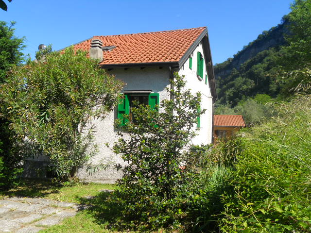 Villa in vendita a Mandello del Lario, 3 locali, prezzo € 320.000 | Cambio Casa.it
