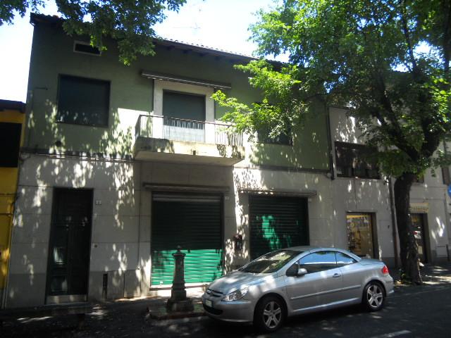 Soluzione Indipendente in vendita a Lecco, 4 locali, prezzo € 155.000 | Cambio Casa.it
