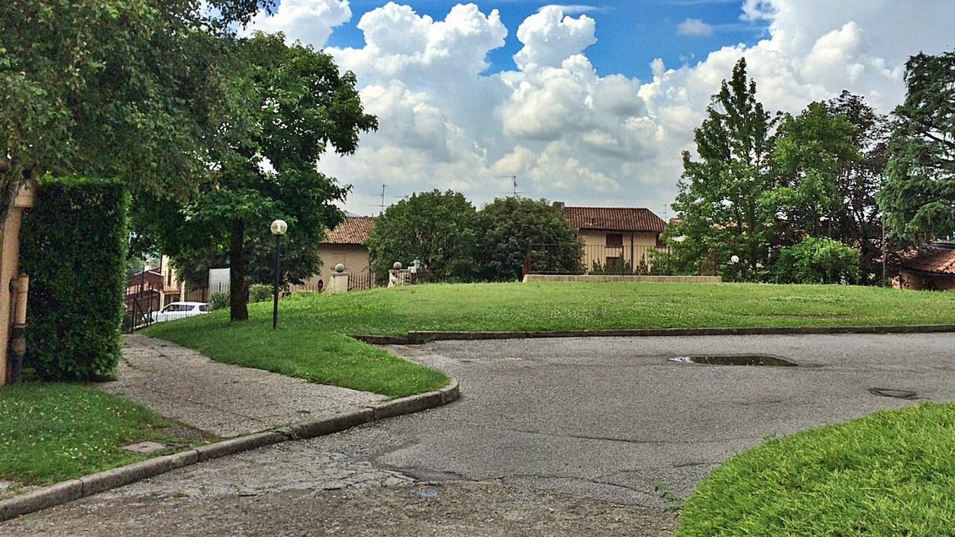 Appartamento in vendita a Cesana Brianza, 2 locali, prezzo € 65.000 | Cambio Casa.it