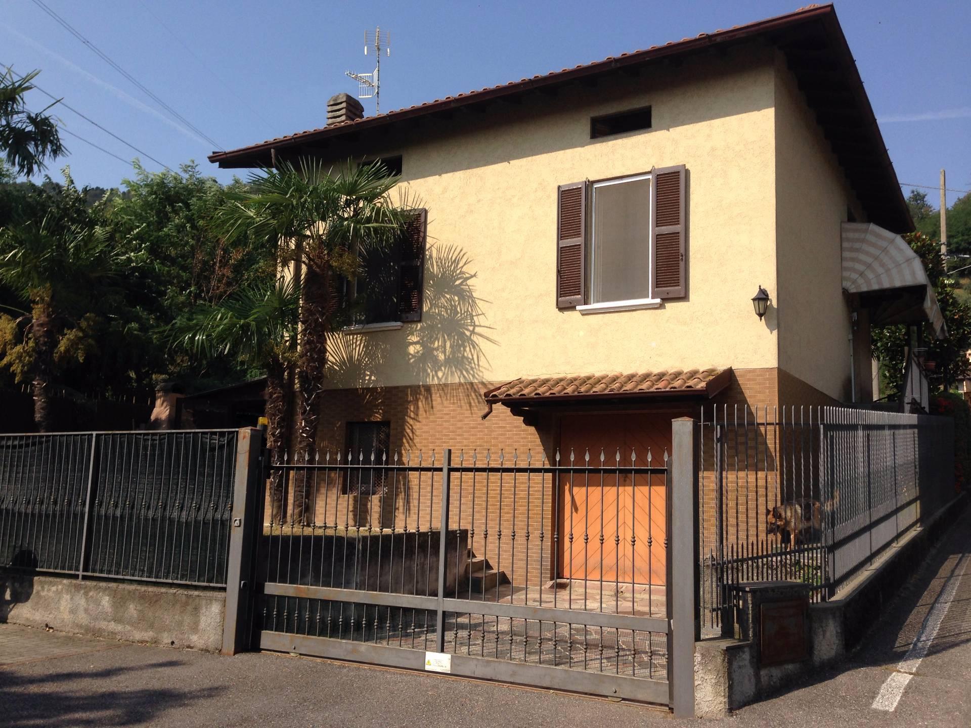 Villa in vendita a Valgreghentino, 3 locali, prezzo € 180.000 | Cambio Casa.it