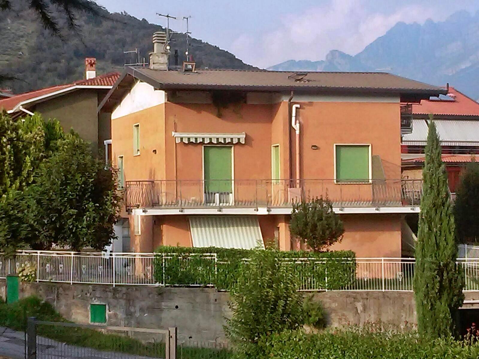 Appartamento in vendita a Galbiate, 4 locali, prezzo € 160.000 | Cambio Casa.it