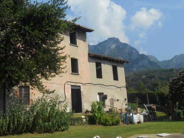 Rustico / Casale in vendita a Lecco, 8 locali, prezzo € 350.000 | Cambio Casa.it