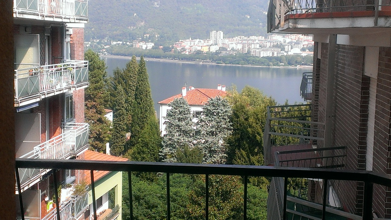 Appartamento in vendita a Malgrate, 4 locali, prezzo € 105.000 | Cambio Casa.it