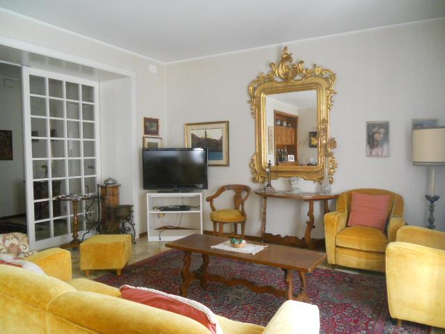 Appartamento in vendita a Lecco, 4 locali, prezzo € 280.000 | Cambio Casa.it