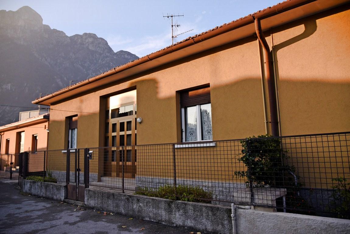 Soluzione Indipendente in vendita a Valmadrera, 4 locali, prezzo € 190.000 | Cambio Casa.it
