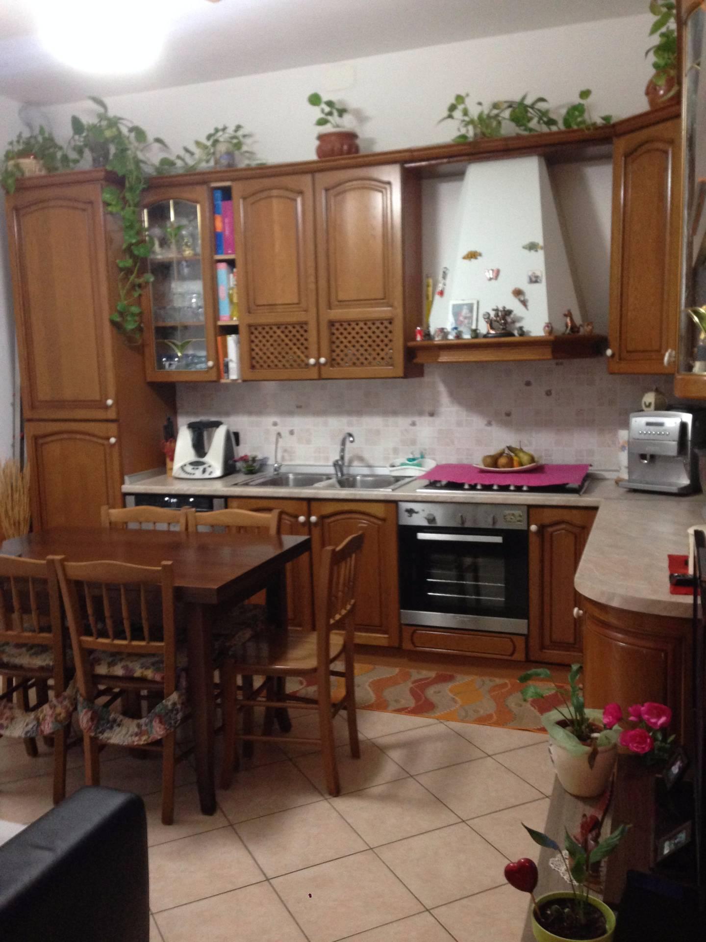 Appartamento in vendita a Calolziocorte, 3 locali, prezzo € 80.000 | CambioCasa.it