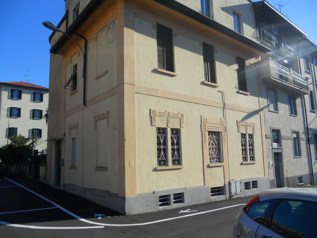 Soluzione Indipendente in vendita a Lecco, 6 locali, prezzo € 300.000 | Cambio Casa.it