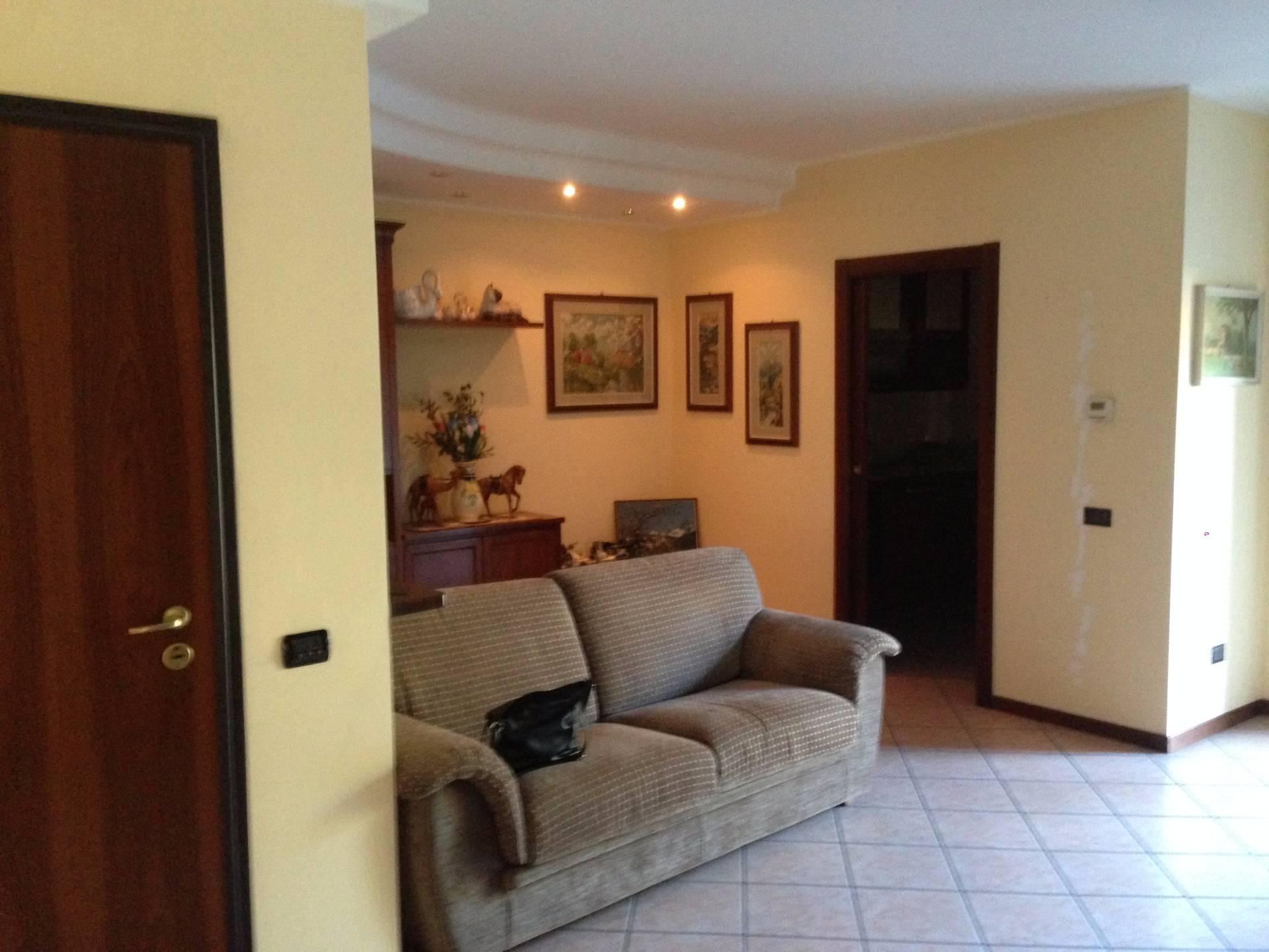 Appartamento in vendita a Olginate, 3 locali, prezzo € 165.000 | Cambio Casa.it