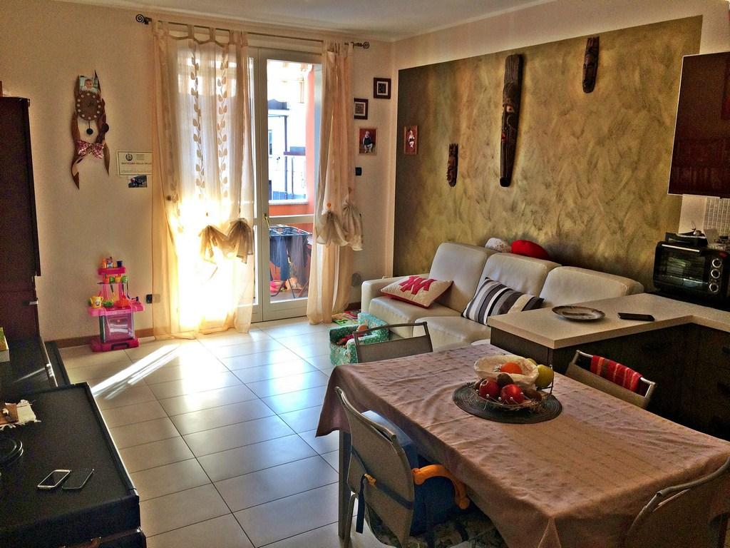 Appartamento in vendita a Valmadrera, 2 locali, prezzo € 180.000   Cambio Casa.it