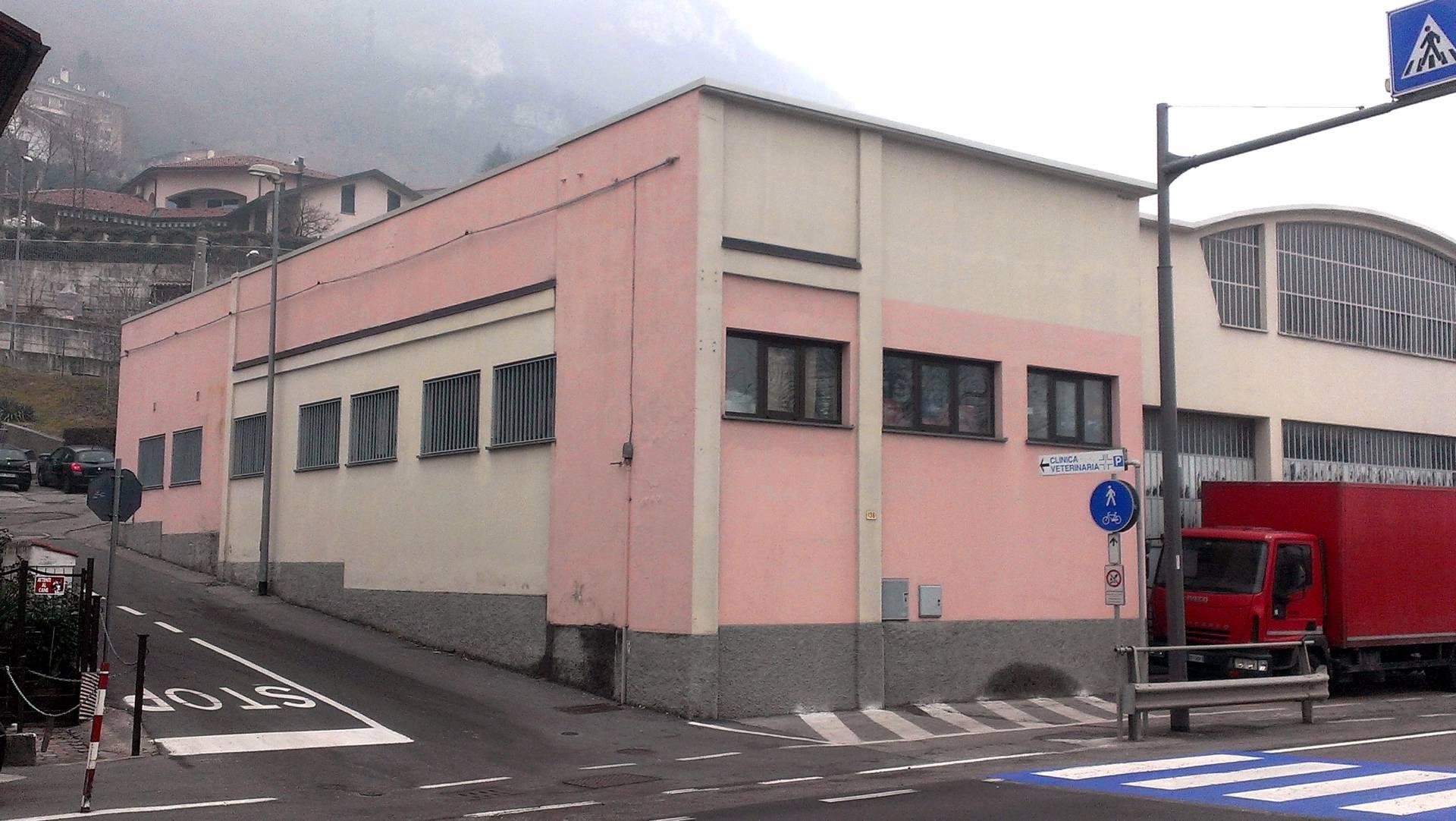 Negozio / Locale in vendita a Pescate, 9999 locali, prezzo € 290.000 | Cambio Casa.it