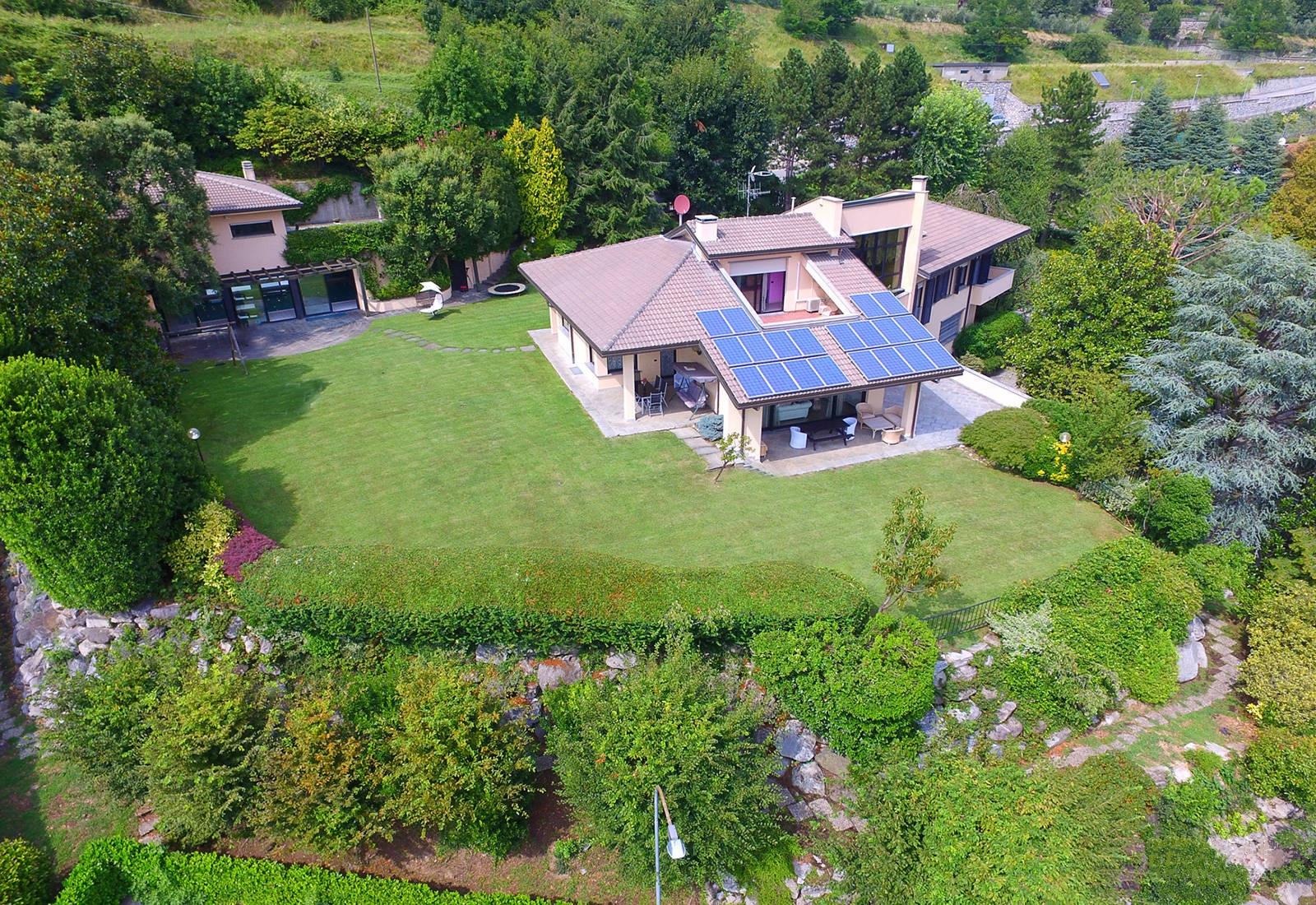 Villa in affitto a Civate, 7 locali, Trattative riservate | Cambio Casa.it