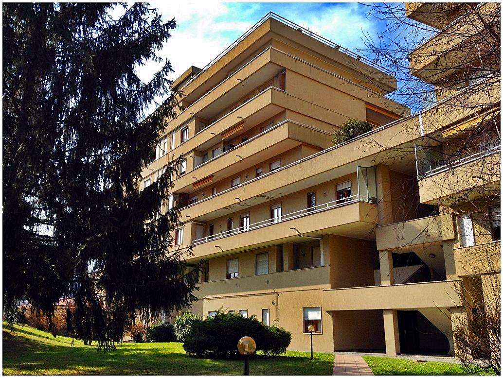 Appartamento in vendita a Galbiate, 3 locali, prezzo € 95.000 | CambioCasa.it