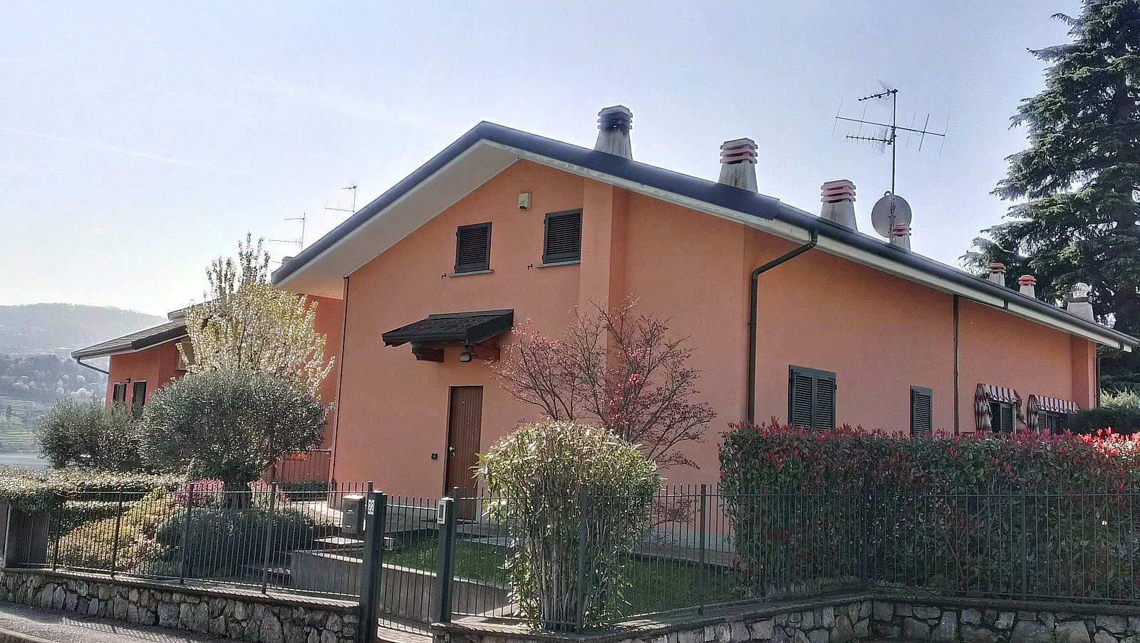 Villa Bifamiliare in Vendita a Civate