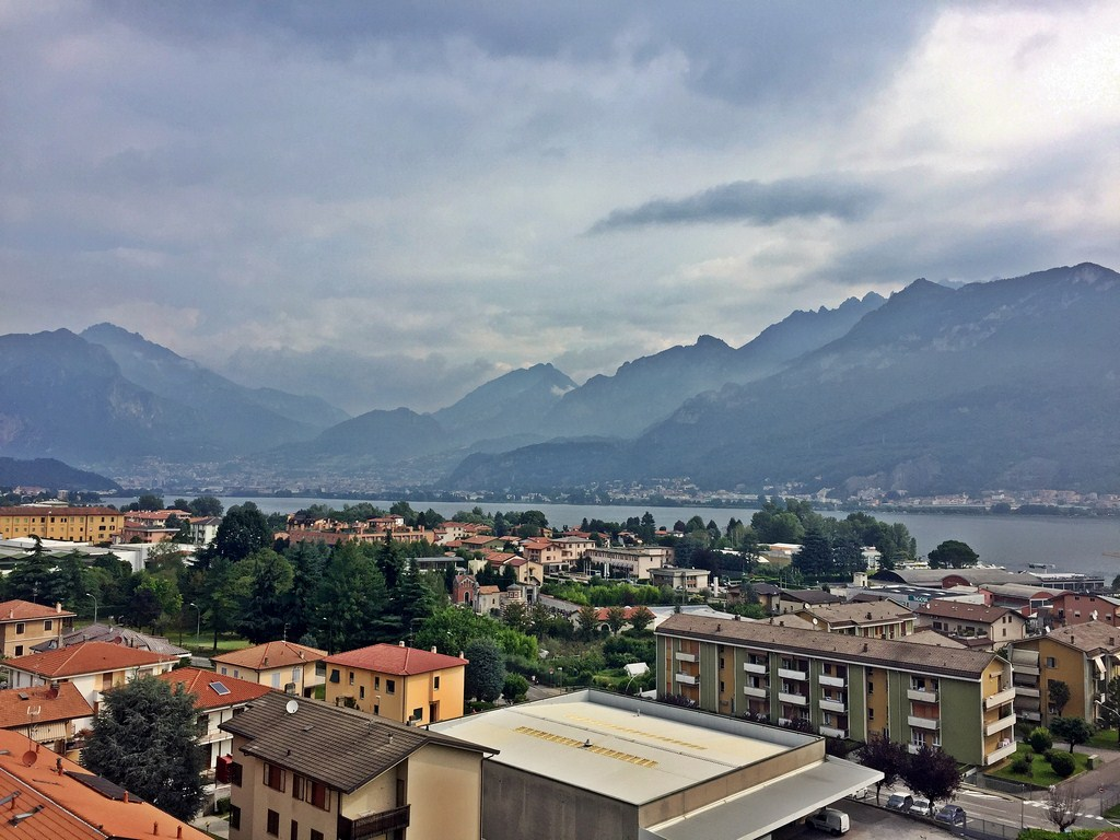 Appartamento in vendita a Garlate, 4 locali, prezzo € 100.000 | CambioCasa.it