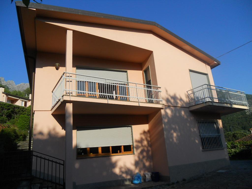 Villa in vendita a Lecco, 6 locali, zona Zona: Acquate, prezzo € 430.000 | CambioCasa.it