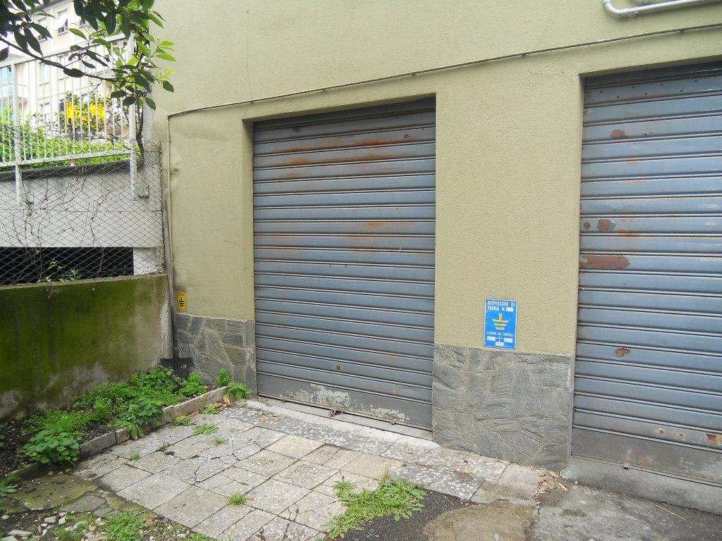 Negozio / Locale in affitto a Lecco, 9999 locali, prezzo € 150 | CambioCasa.it