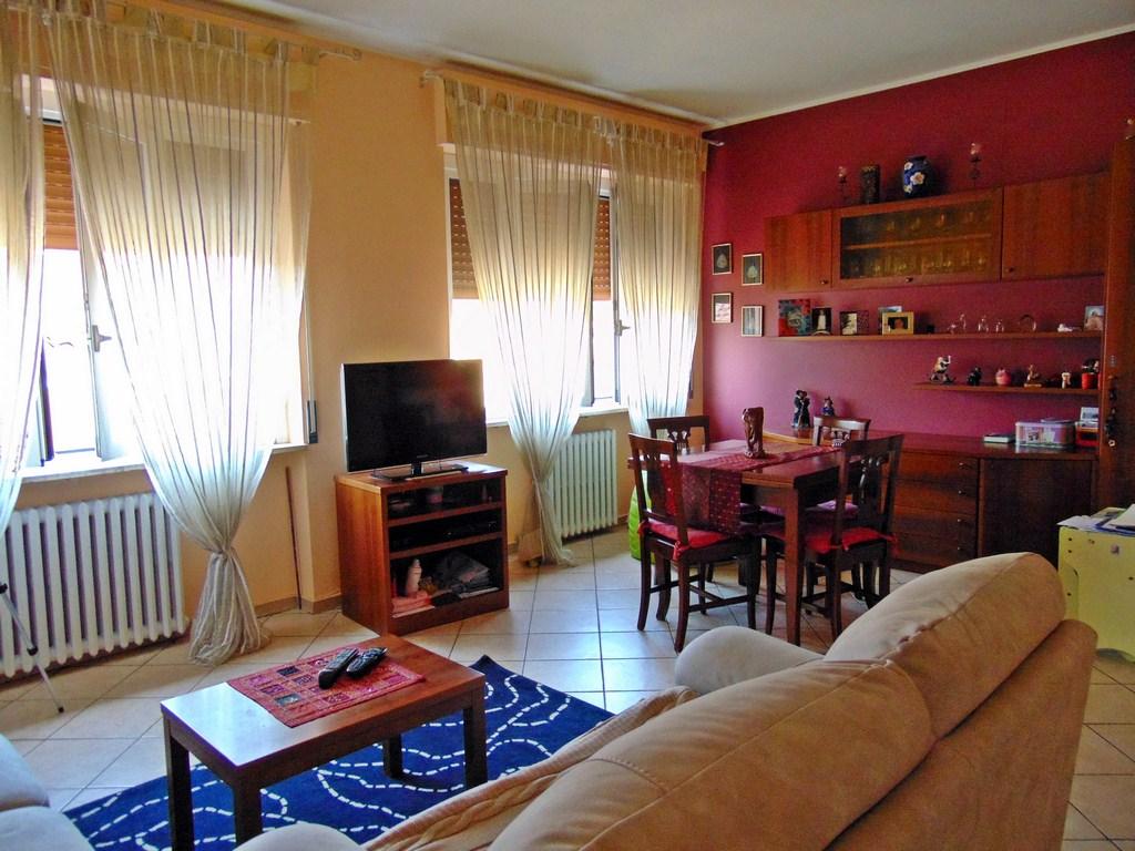 Appartamento in vendita a Galbiate, 3 locali, prezzo € 80.000 | CambioCasa.it