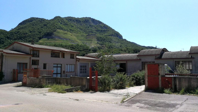 Capannone in vendita a Civate, 9999 locali, prezzo € 500.000 | CambioCasa.it