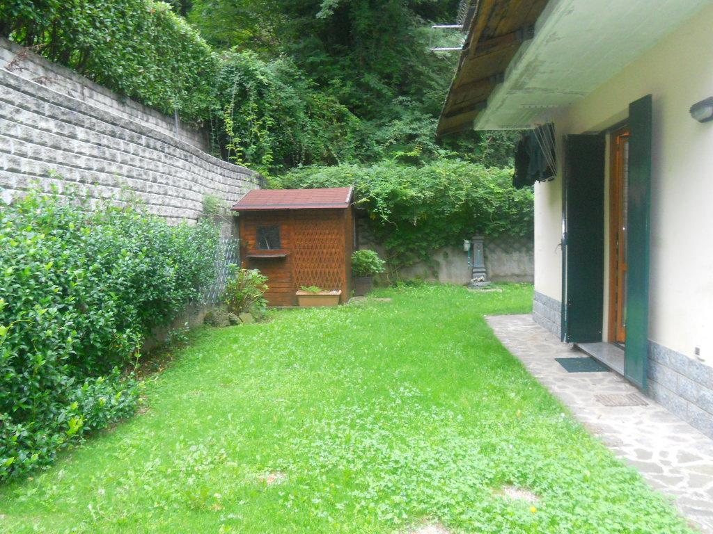 Villa Bifamiliare in vendita a Lecco, 4 locali, zona Zona: Laorca, prezzo € 330.000 | CambioCasa.it